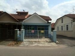 Nice beautiful house end lot at taman seri austin 100176558447139051 thumb